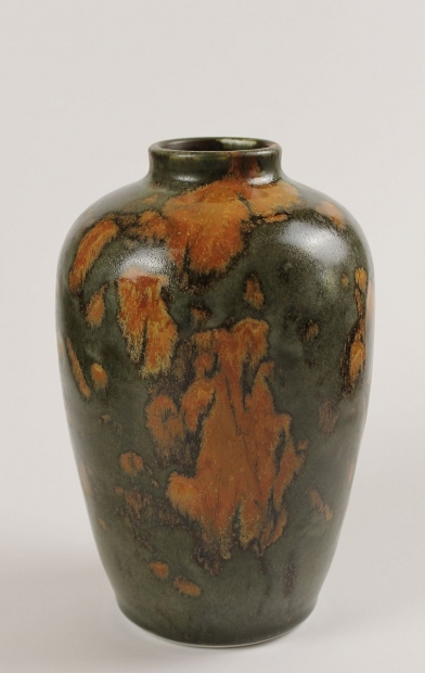 Robust Bottle, Iron Glaze by Ivar Mackay