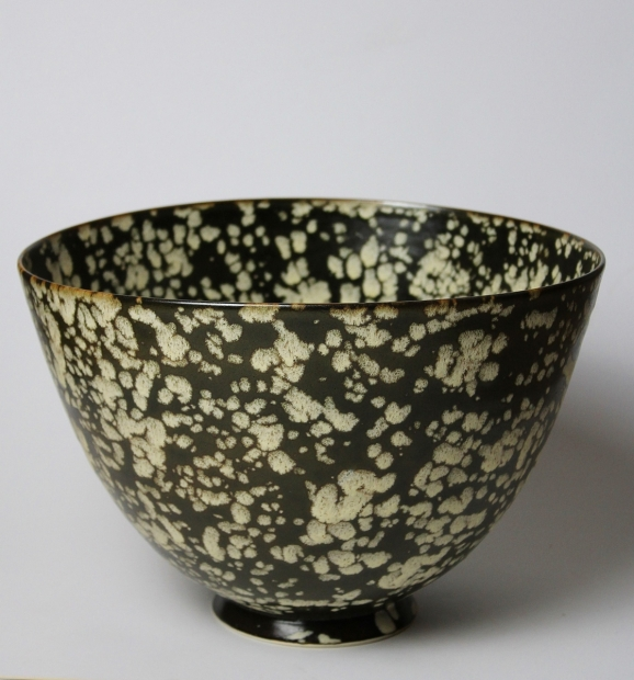 Large deep bowl. Dappled Light1. Tenmoku glaze, iron break at rim by Ivar Mackay