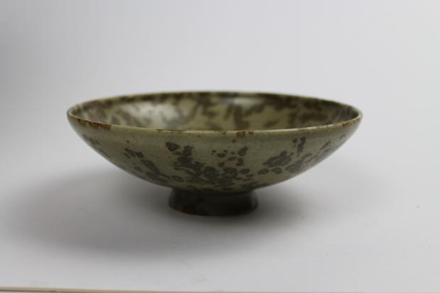 Small low pedestal bowl, Mossy textured iron glaze by Ivar Mackay