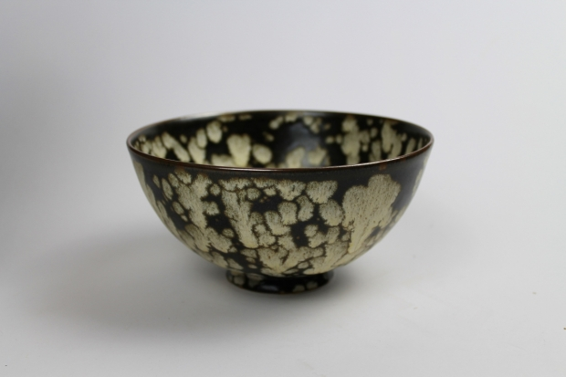 Monastic bowl, Dappled Light IV. Tenmoku glaze, iron break at rim by Ivar Mackay