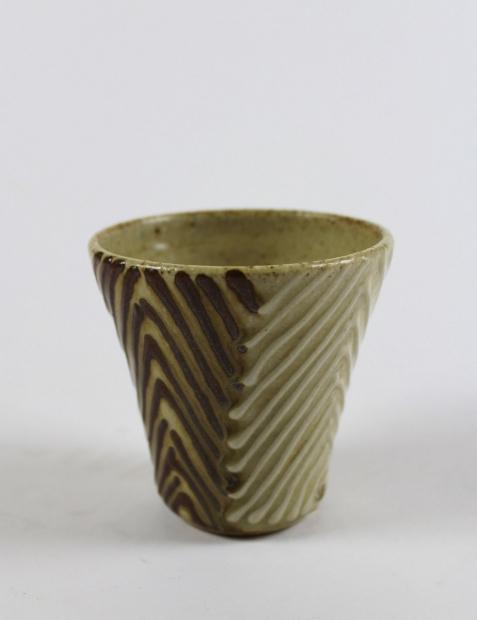 Contrast chevron applied slip beaker by Edward Hughes