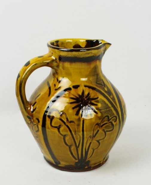 Wet sgraffito jug by Doug Fitch