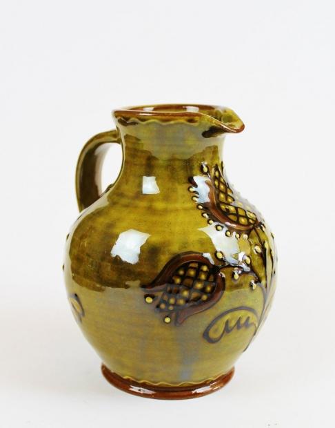 Small slipware tulip jug, green by Hannah McAndrew